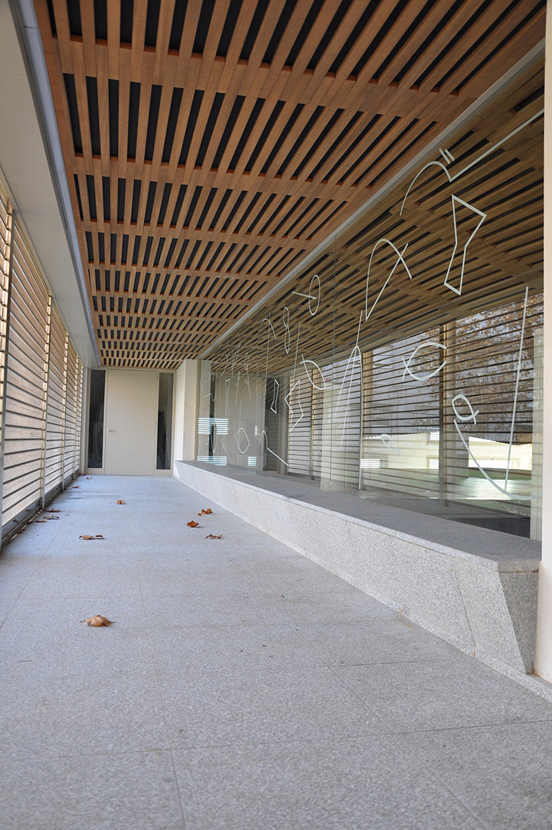 Cristalera exterior Plaza Puente